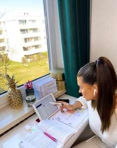 Prüfungsvorbereitung von zu Hause - SABEL Fachoberschüler lernen im Homeschooling