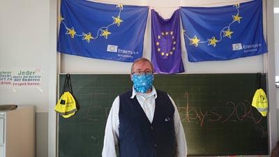 Der Schulleiter der SABEL Wirtschaftsschule während der Erasmus Days 2020
