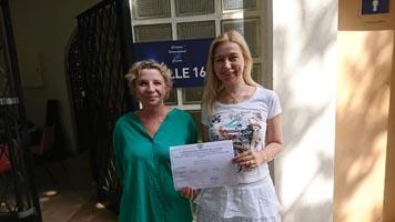 Lehrkraft der SABEL Schulen empfangen Zertifikat über erfolgreiche Teilnahme am ErasmusPlus Programm