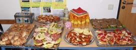 SABEL Realschule präsentiert ihren Gewinn - ein reiches Frühstücksbuffet